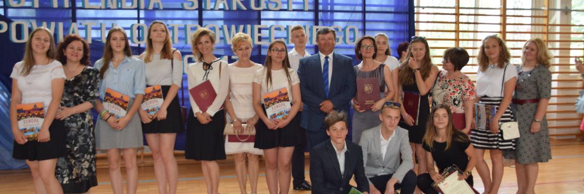 Nasi uczniowie wśród Stypendystów Starosty Ostrowieckiego
